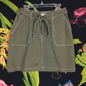 PRETTY LITTLE THINGS / Green Khaki Skirt